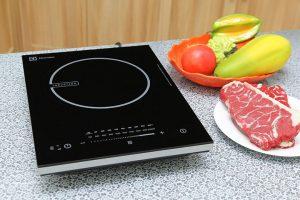 Dịch vụ sửa bếp từ Electrolux tại nhà trong khu vực nội thành Hà Nội